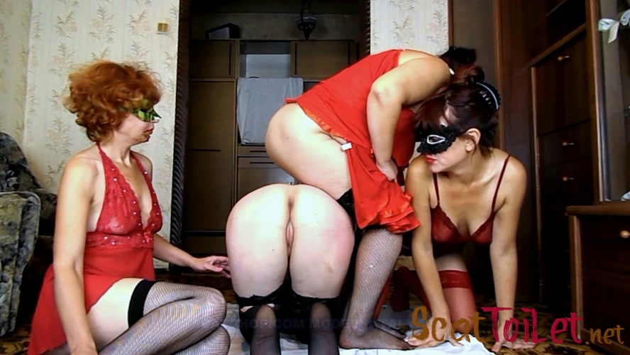 Four girls play cards on desire with ModelNatalya94  [MPEG-4]