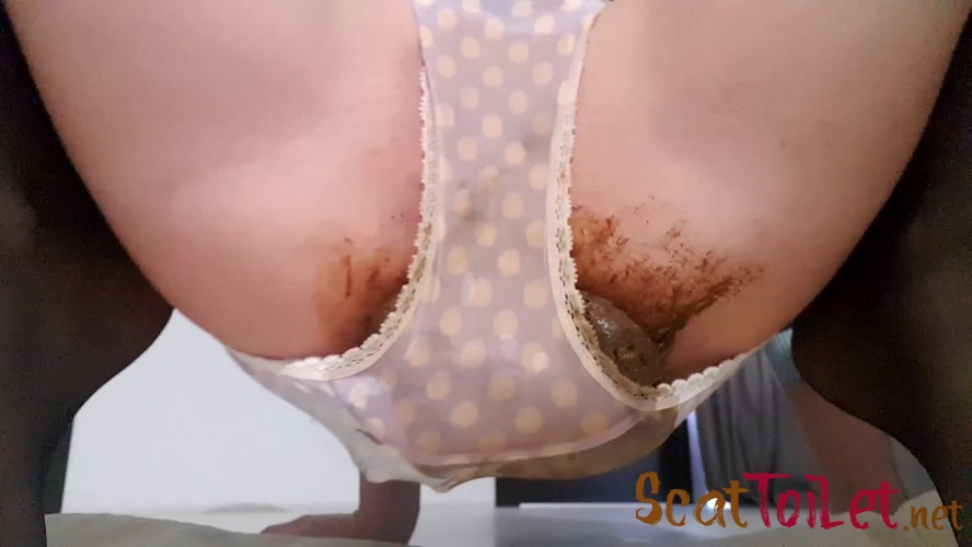 Massive Shit 4 U with thefartbabes  [MPEG-4]