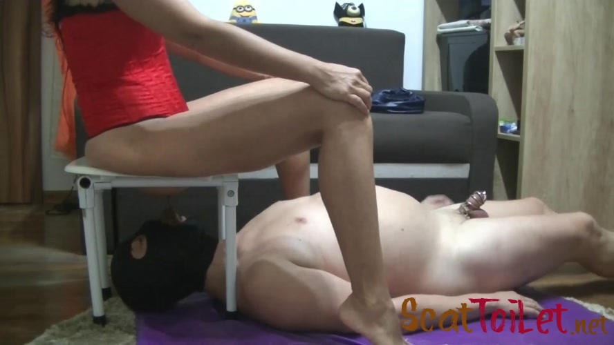 Slave cumming and diarrhea feeding with Mistress Roberta [MPEG-4]