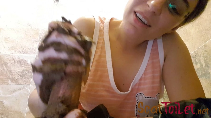 Dirty handjob with LittleMissKinky [MPEG-4]