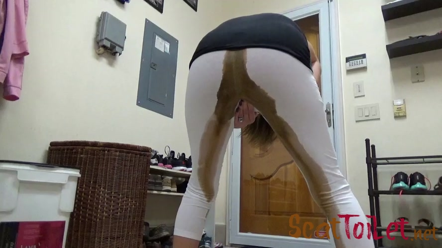 Oops! I Just Shit My Capri's with EricaKay [MPEG-4]