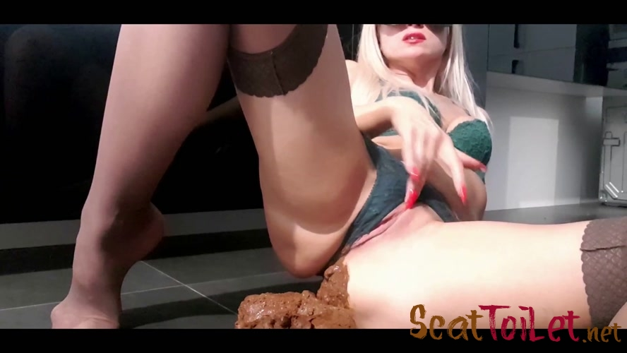 Bratty Pile Push Bikini with thefartbabes [MPEG-4]