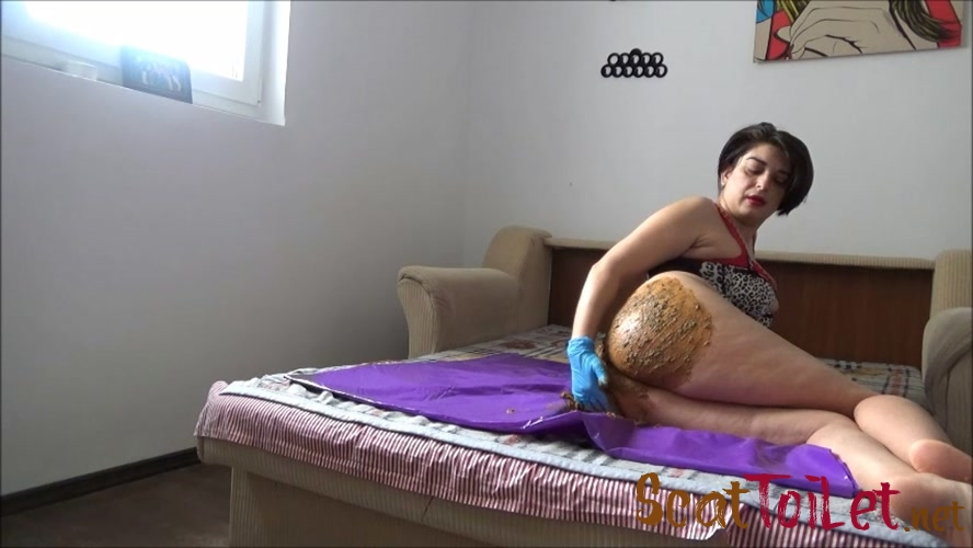 Mistress Roberta – Poop inside leather pants pov - Mistress Roberta – Lazy breakfast with teasing pov [MPEG-4]