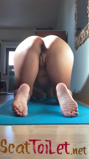 Morning yoga with kinkycat  [MPEG-4]