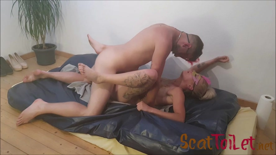 fuck each other and fuck a dildo (1/2) with Versauteschnukkis  [MPEG-4]