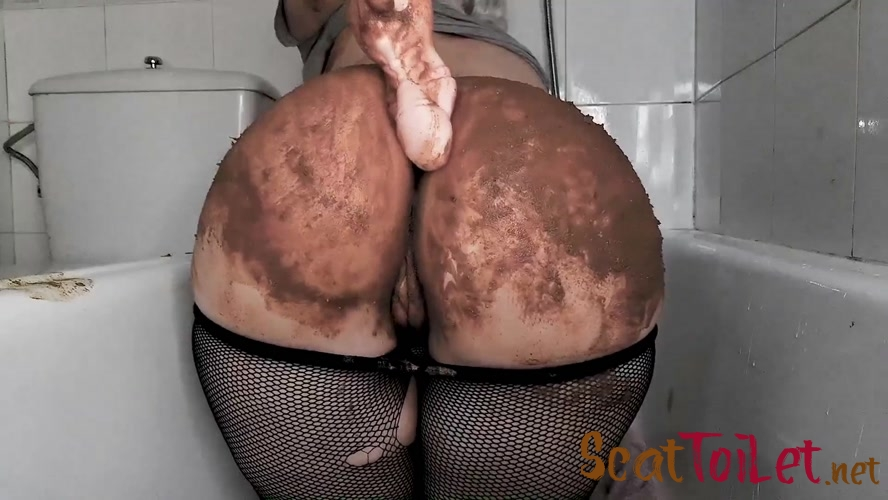 Extreme Luxus Scat Play By Top Model Betty Exclusive SG Video Production [MPEG-4]